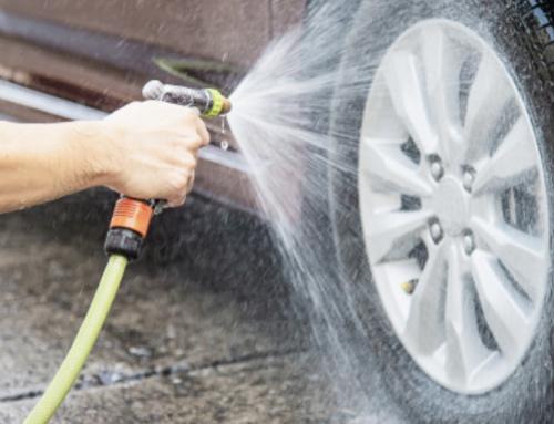 Cómo limpiar el coche por fuera paso a paso