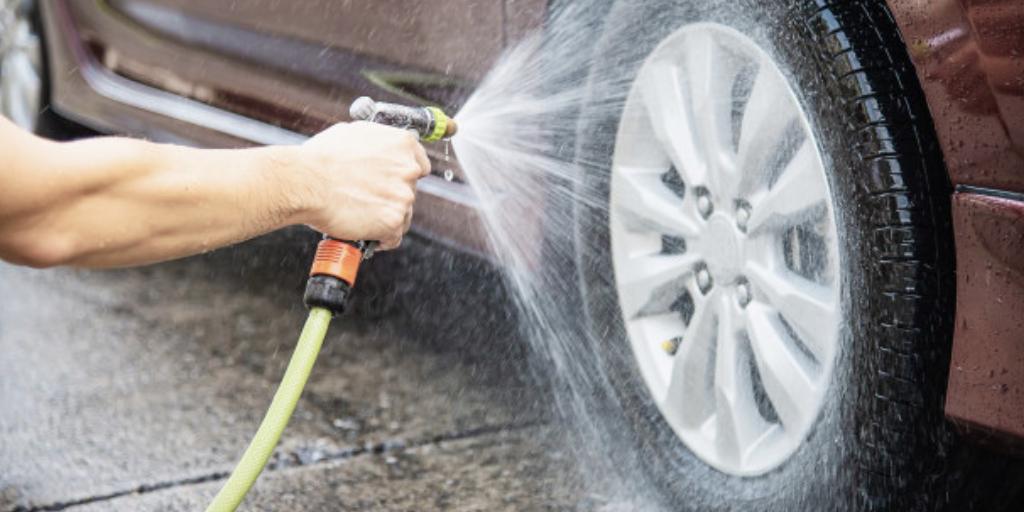 consejos sobre cómo limpiar el coche por fuera